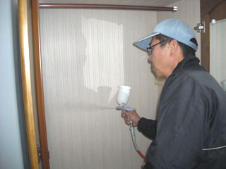 タンス内部への塗布
